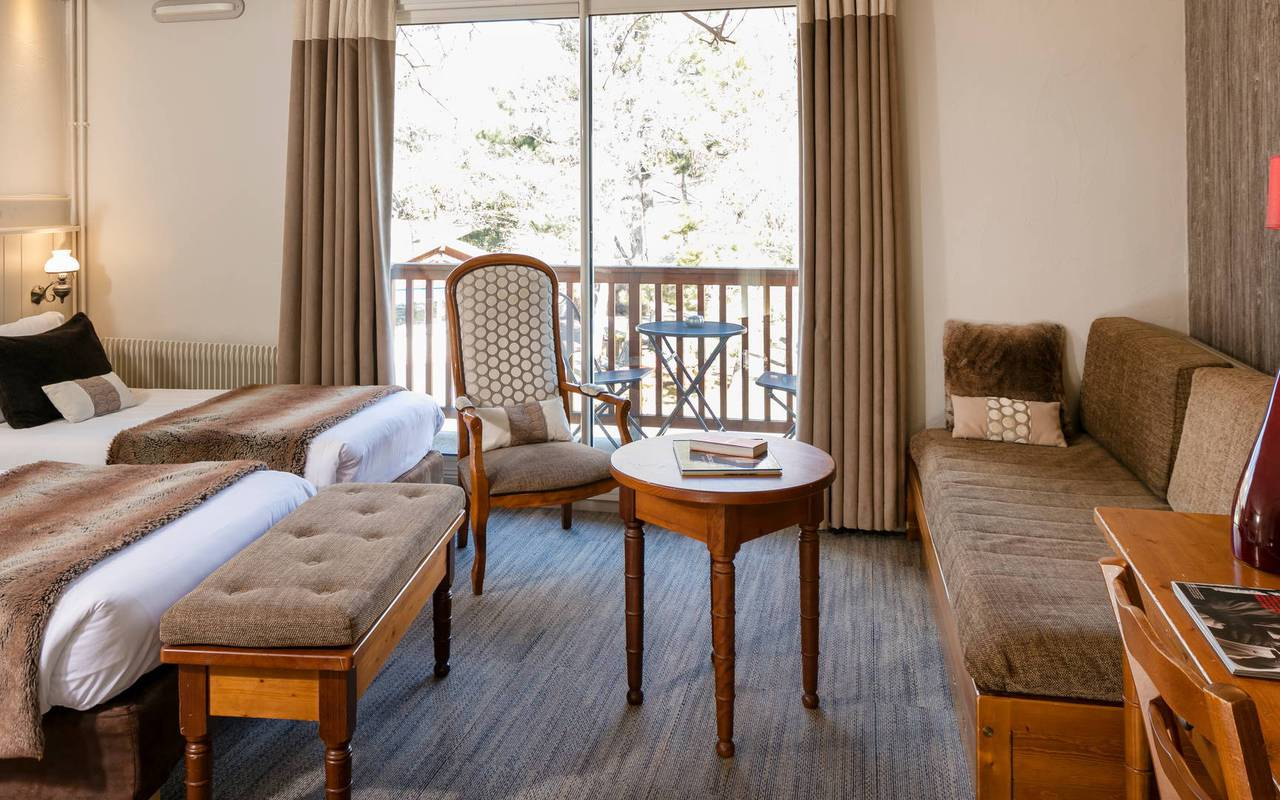 Room with view, hotel spa Hautes-Alpes, Les Bartavelles