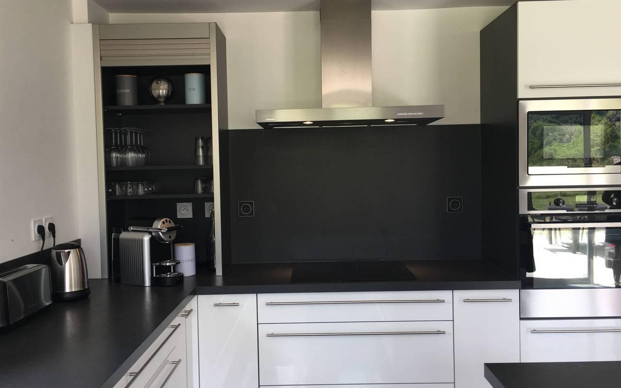 Modern kitchen, hotel spa Hautes-Alpes, Les Bartavelles