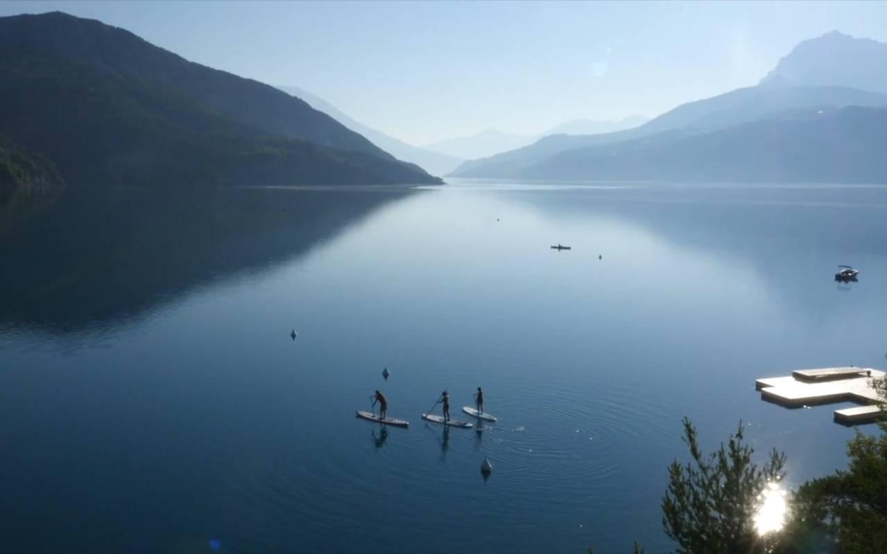 Large lake, boutique hotel hautes-alpes, Les Bartavelles