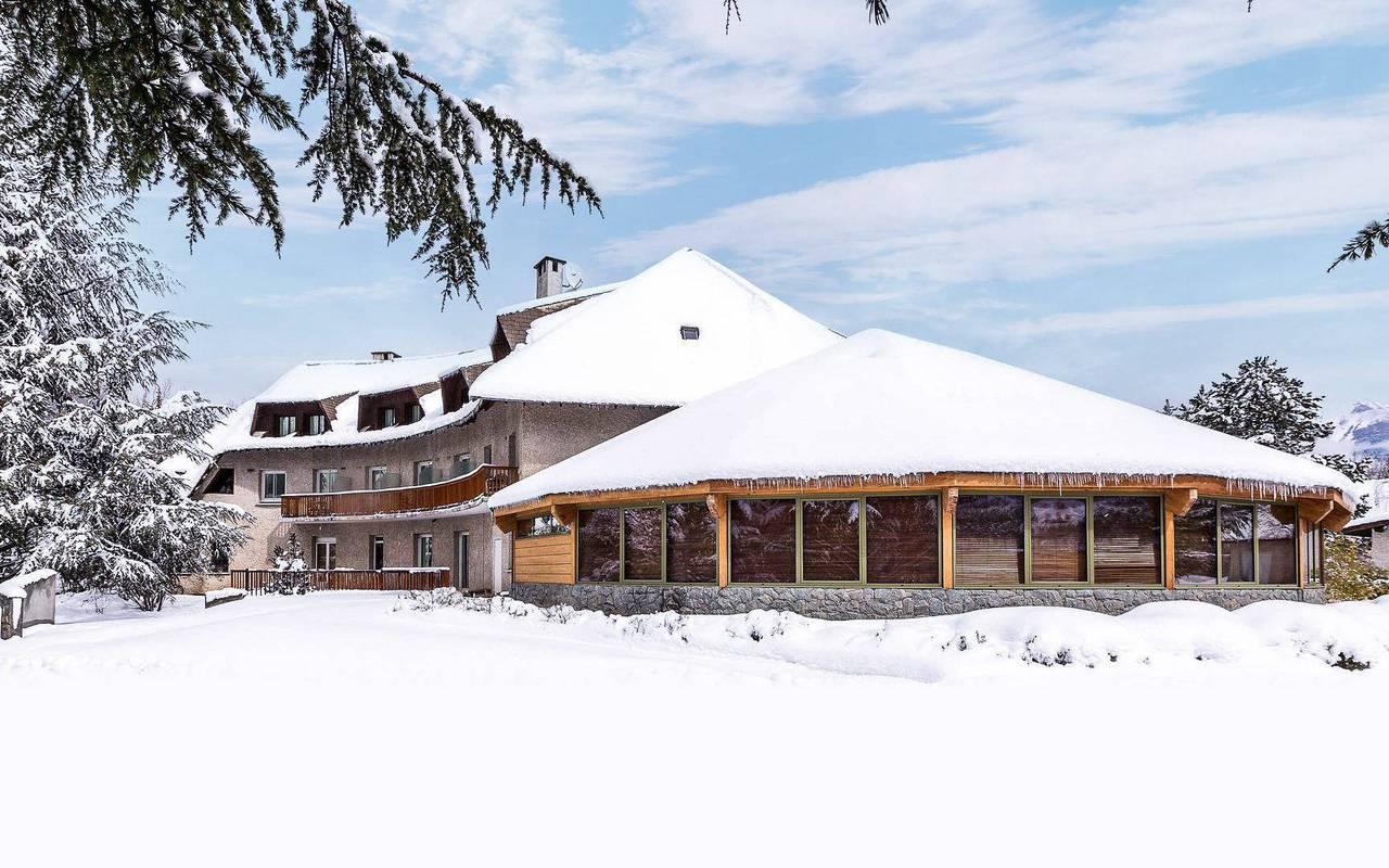 Neige, hôtel Embrun Lac de Serre Ponçon, Les Bartavelles