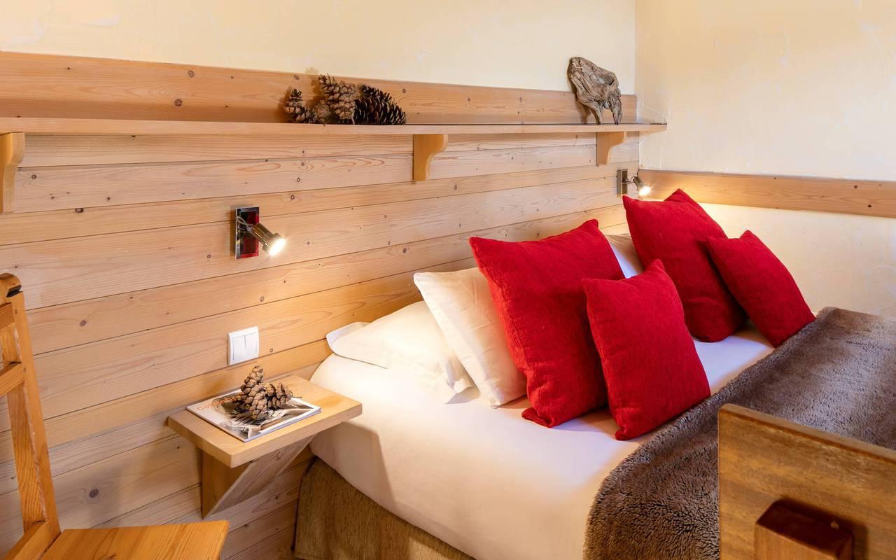Lit confortable, hôtel spa Hautes-Alpes, Les Bartavelles