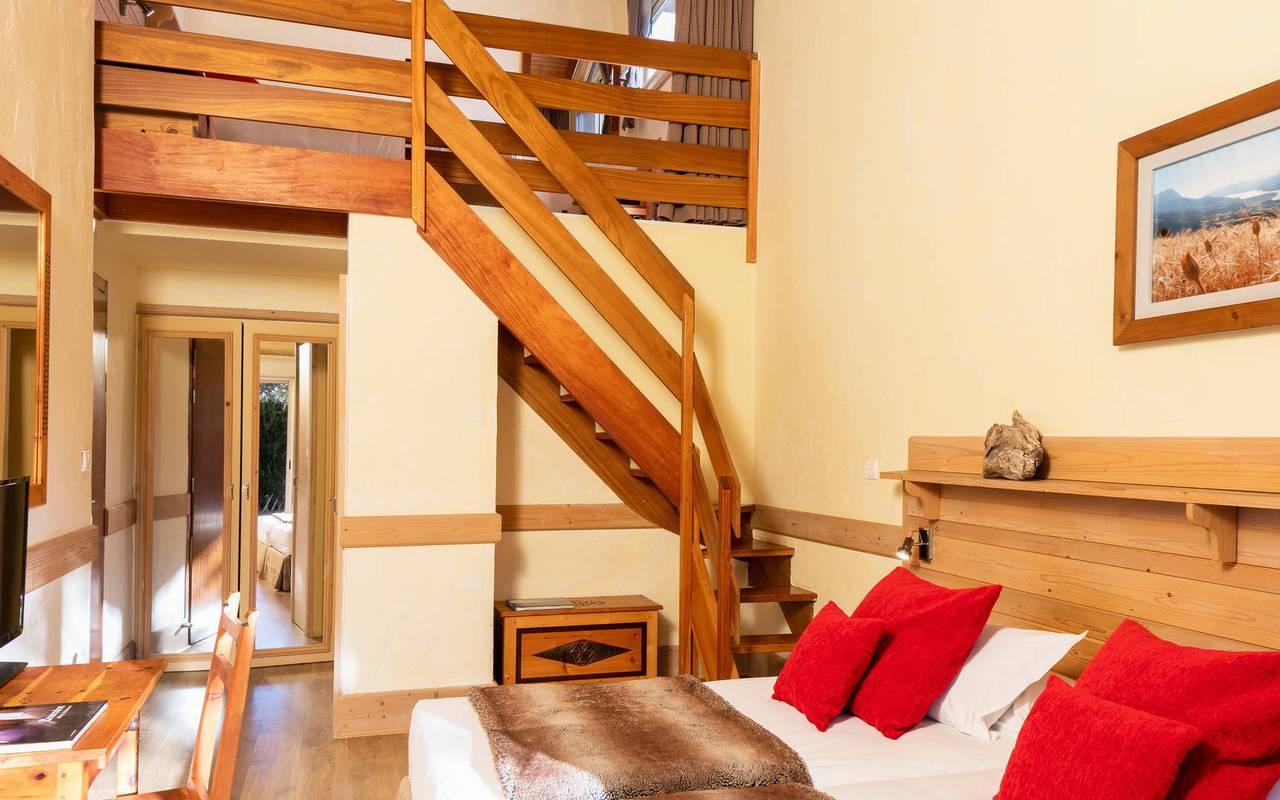 Chambre duplex, hôtel spa Hautes-Alpes, Les Bartavelles