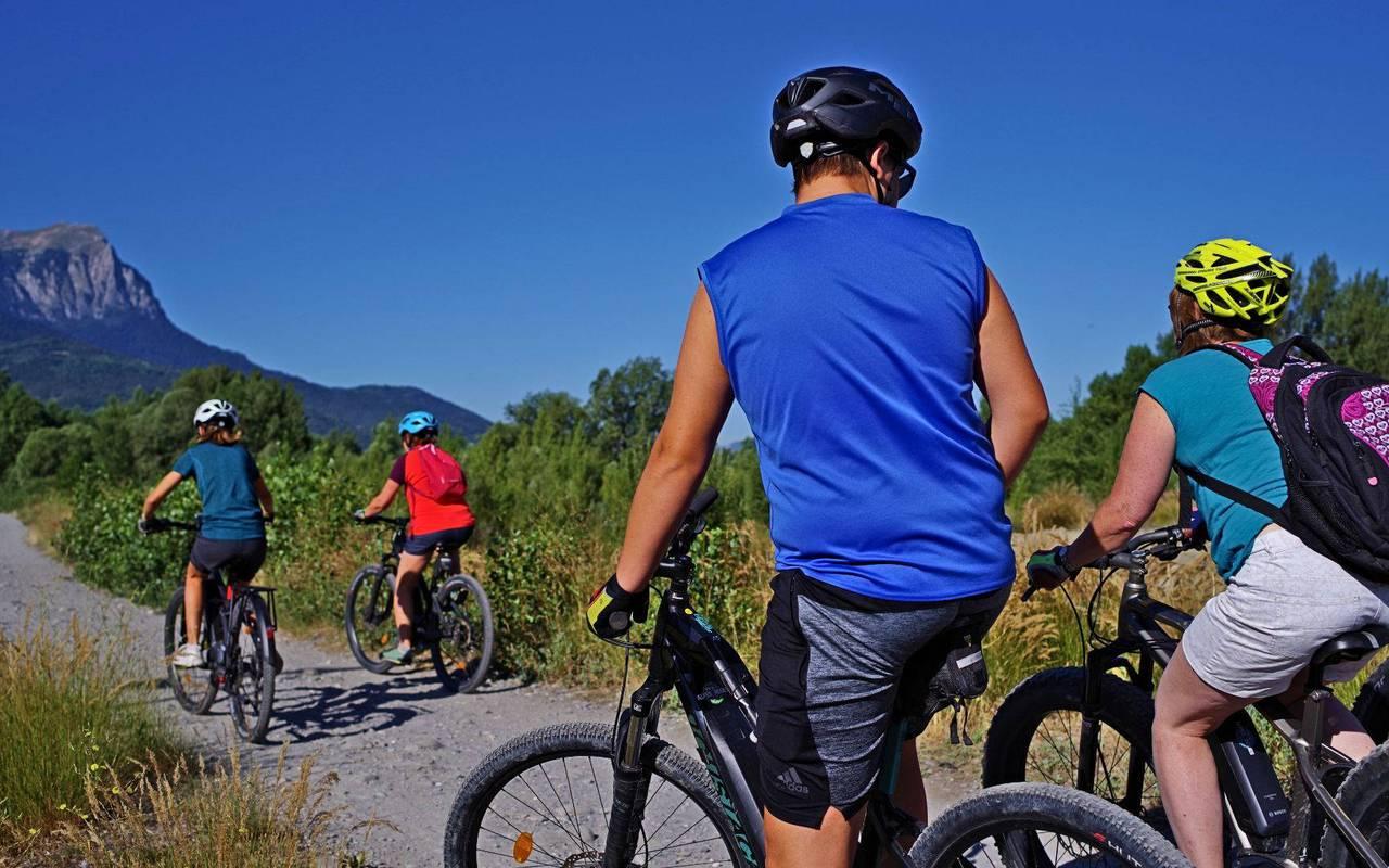 Cyclistes, séjour vacances Embrun, Les Bartavelles