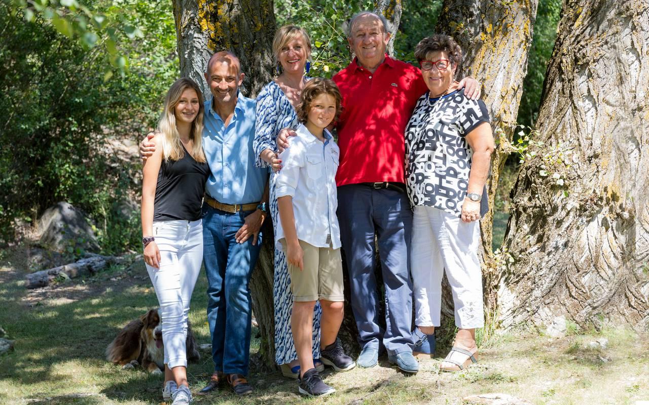 Famille, hôtel Embrun Lac de Serre Ponçon, Les Bartavelles